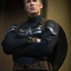 Chris Evans in Super Soldier Uniform 2