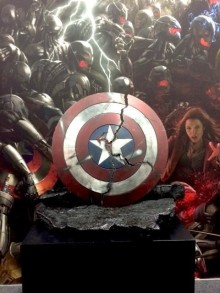 marvelsdcc2014capcrackedshield